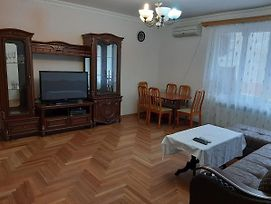 Home Elite Yerevan - Large Apartment On Saryan Street photos Exterior