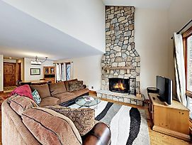 Huge House On Golf Course, Minutes To Ski Resorts! Home photos Exterior