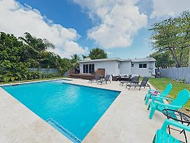 New Listing! Luxe Retreat W/ Pool In Lush Backyard Home photos Exterior