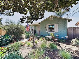 New Listing! Charming Oceanside Getaway Home photos Exterior