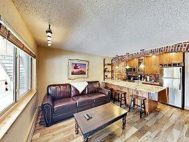 Mountain Gem W/ Pool & Hot Tubs, Next To Shuttle Condo photos Exterior