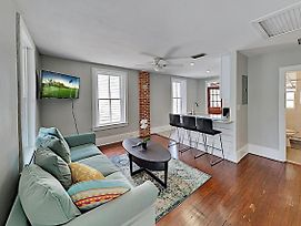 Updated Downtown Gem, Walk To Shops & Waterfront! Apts photos Exterior