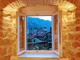 Romantic Rooftop View Hideaway- Old Town Nr 404 photos Exterior