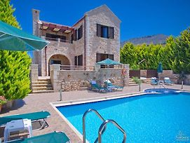 Almyrida Villa Sleeps 6 With Pool Air Con And Wifi photos Exterior
