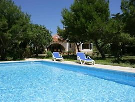 Cala Blanca Villa Sleeps 8 Pool Air Con Wifi photos Exterior