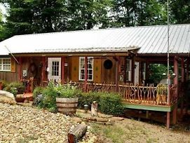 Enchanted Cottage - 1 Bedrooms, 1 Baths, Sleeps 2 Cabin photos Exterior