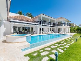 Pool View Villa With Jacuzzi & Chef At Cocotal Golf & Country Club photos Exterior