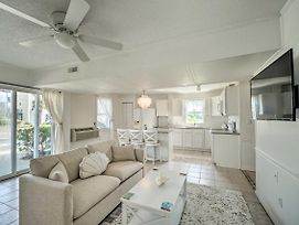 Lovely Surf City Cottage - 2 Blocks To Beach! photos Exterior