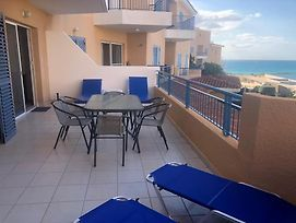 Stylish 2 Bedroom Apartment With Fabulous Seaviews photos Exterior