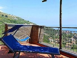 Sant'Agata Sui Due Golfi Villa Sleeps 6 Air Con photos Exterior