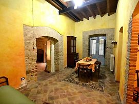 Montemaggiore Belsito Villa Sleeps 3 photos Exterior