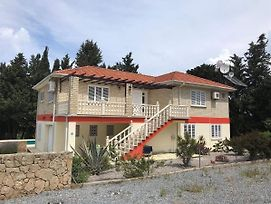 Australian Villa In Lapta , Sleeps Up To 12 Persons , New To The Holiday Rental photos Exterior