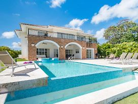 Luxury & Modern Villa With Pool At Cocotal Golf & Country Club photos Exterior