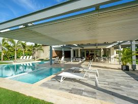 Private & Luxury Villa With Pool, Jacuzzi, Golf Cart And Chef photos Exterior