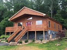 New Two Bedroom Cabin-Now Available To Book! Home photos Exterior