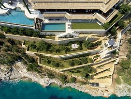Luxurious Villa With Two Swimming Pools And Direct Sea Access photos Exterior