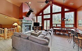 New Listing! Modern Ski Lodge Retreat W/ Hot Tub Home