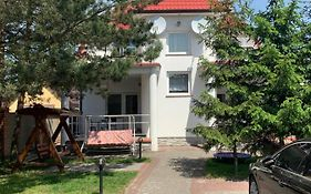 Bed And Breakfast Comfortabelny Cottej Свитязь