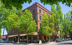 Hotel Oregon Mcminnville Or