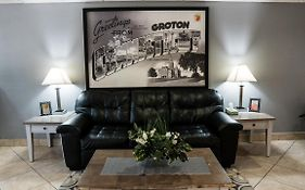 Super 8 By Wyndham Groton Hotel 2* United States