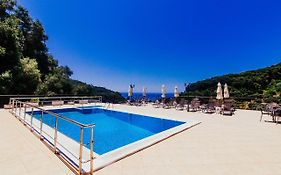 Petrino Apartments Parga
