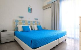Χριστιάνα Hotel Apartments Gennadi