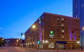 Holiday Inn Express Minneapolis Downtown