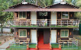 The Gulmohar Resort 3*