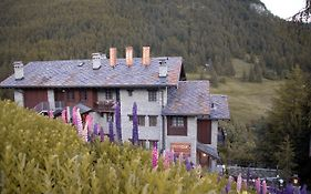Chamois Hotel Cly