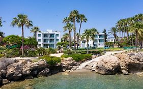Rododafni Beach Apartments Paphos