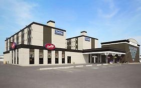 Travelodge Edmonton West 2*
