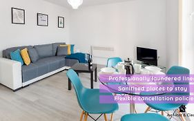 Apartment 4 Barall Court - Sleeps 6 Minutes From Lfc Free Parking