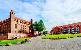 Gniew Hotele