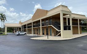 Surestay Hotel By Best Western Fort Pierce photos Exterior