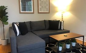 Gorgeous 2br Apt Great Location Near Wrigley Apartment Chicago