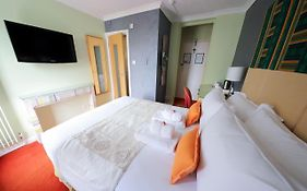 Cavalaire Guest House Brighton