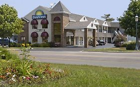 Days Inn Lakeview Mackinaw City