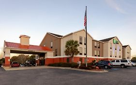 Holiday Inn Express Milton Florida