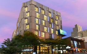Holiday Inn Sukhumvit 11