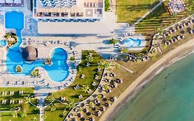 Golden Bay Hotel in Larnaca