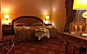 Andreola Central Hotel 4*
