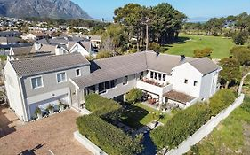 Hermanus Lodge on The Green