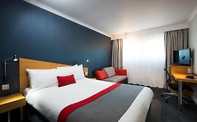 Holiday Inn Express Metro Centre