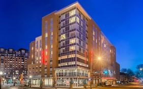 Hampton Inn Suites Madison/downtown