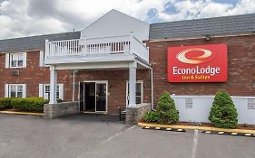 Econo Lodge Inn & Suites Airport Windsor Locks Ct