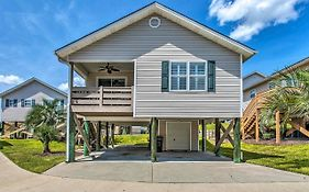 Coastal Cottage With Pool Access, Walk to Beach Myrtle Beach