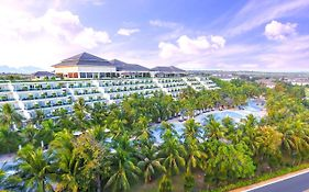 Sea Links Beach Hotel  5*