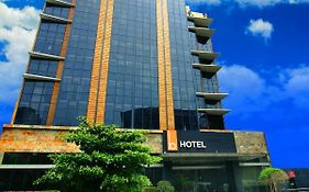 The B Hotel - Managed By The Bellevue Group Of Hotels Inc