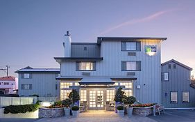 Holiday Inn Express Monterey Cannery Row