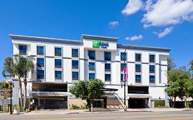 Holiday Inn Express Hollywood Walk Of Fame, An Ihg Hotel Los Angeles United States